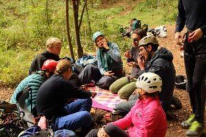 Fællesspisning på klatretur