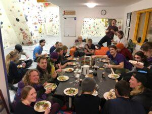 Fællesspisning i Odense klatreklub